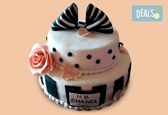 С Вашия бранд! Фирмена торта с лого и индивидуален дизайн от Сладкарница Джорджо Джани - Снимка 13