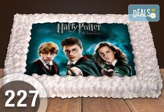Експресна торта от днес за днес! Голяма детска торта 20, 25 или 30 парчета със снимка на любим герой от Сладкарница Джорджо Джани - Снимка 17