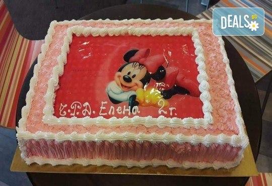 Експресна торта от днес за днес! Голяма детска торта 20, 25 или 30 парчета със снимка на любим герой от Сладкарница Джорджо Джани - Снимка 31