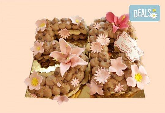Винтидж торта с 3D цифри и размер по избор от Сладкарница Джорджо Джани - Снимка 3