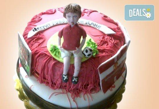 Бъди професионалист! Торта за професионалисти: вкусна торта за фризьори, IT специалисти, съдии, футболисти, режисьори, музиканти и други професии от Сладкарница Джорджо Джани - Снимка 39
