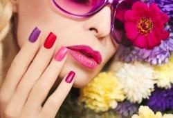 Красиви нокти! Изграждане на ноктопластика с гел SNB и маникюр с обикновен или гел лак в салон за красота Madonna - Снимка