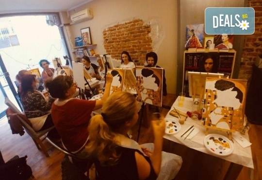 АРТ подарък за празниците! Рисувайте 4 впечатляващи картини или подарете карта за рисуване с напътствията на професионален художник и ароматно вино, Арт ателие Багри и вино - Снимка 4