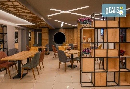 Луксозен уикенд в Одрин! 1 нощувка със закуска в хотел 4*, транспорт, посещение на Margi Outlet и борсата за перилни препарати - Снимка 6