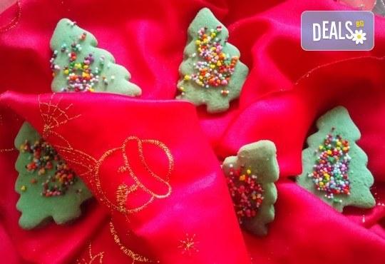 За Коледа! 25 броя коледни декорирани елхи от Сладкарница Джорджо Джани! - Снимка 3
