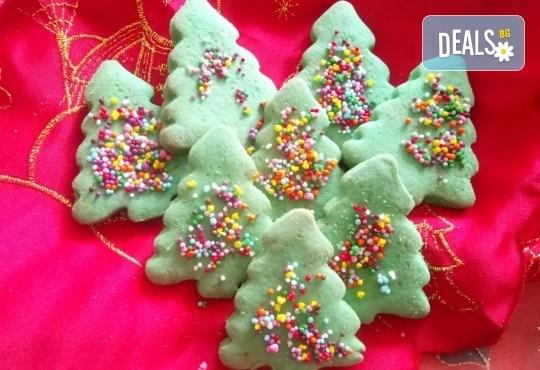За Коледа! 25 броя коледни декорирани елхи от Сладкарница Джорджо Джани! - Снимка 1