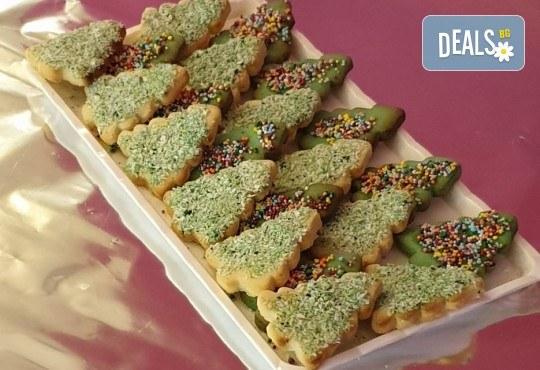 За Коледа! 25 броя коледни декорирани елхи от Сладкарница Джорджо Джани! - Снимка 5