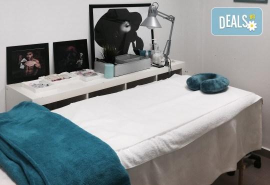 Поставяне на мигли чрез метода косъм по косъм, 3D или руски обем в Neve Style Academy - Снимка 4