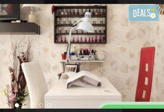 Боядисване с боя на клиента, измиване, подстригване, оформяне със сешоар и стилизиране! Професионална грижа за Вашата коса и модерната Ви визия в салон Golden Angel! - Снимка 3