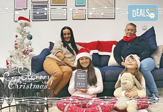 Луксозна Коледна фотосесия в Concept store Камко с реални декори на домашна, празнична атмосфера от фотограф Стефан Димитров - Снимка 3