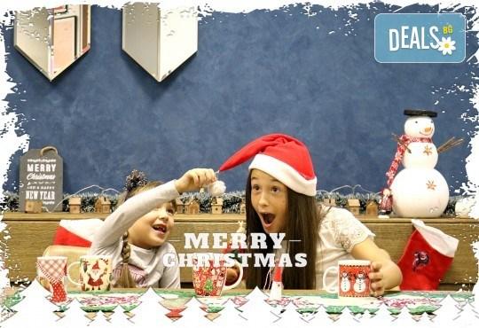 Луксозна Коледна фотосесия в Concept store Камко с реални декори на домашна, празнична атмосфера от фотограф Стефан Димитров - Снимка 1