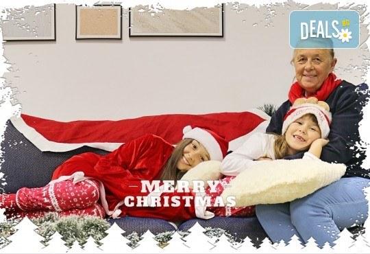 Луксозна Коледна фотосесия в Concept store Камко с реални декори на домашна, празнична атмосфера от фотограф Стефан Димитров - Снимка 2
