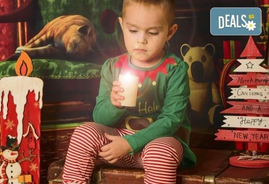 За цялото семейство! 30 или 40 минутна Коледна фотосесия плюс обработване на снимките от Pandzherov Photography - Снимка 16