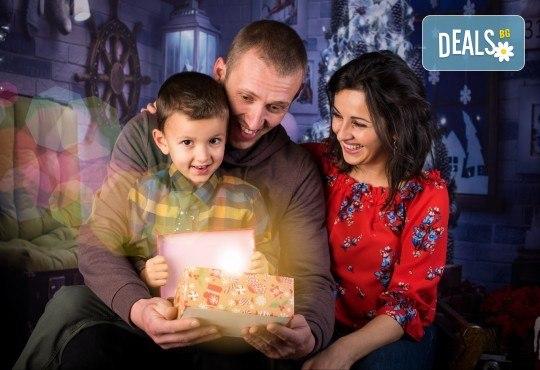 За цялото семейство! 30 или 40 минутна Коледна фотосесия плюс обработване на снимките от Pandzherov Photography - Снимка 3