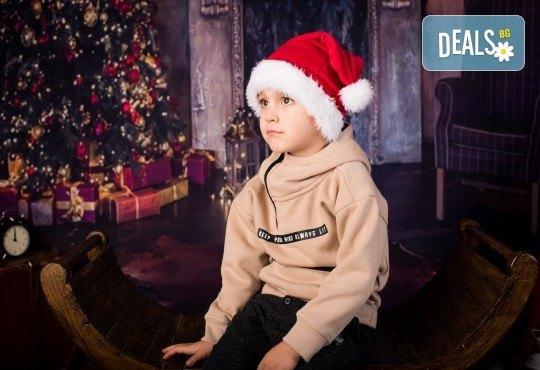 За цялото семейство! 30 или 40 минутна Коледна фотосесия плюс обработване на снимките от Pandzherov Photography - Снимка 6