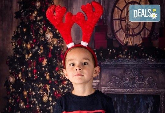 За цялото семейство! 30 или 40 минутна Коледна фотосесия плюс обработване на снимките от Pandzherov Photography - Снимка 14
