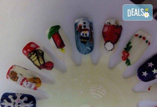 Маникюр за Коледа и за Нова година с гел лак BlueSky, 2 тематични декорации (рисунки), вграждане на камъчета и смесване на цветове от Салон Мечта - Снимка 14