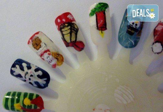 Маникюр за Коледа и за Нова година с гел лак BlueSky, 2 тематични декорации (рисунки), вграждане на камъчета и смесване на цветове от Салон Мечта - Снимка 16