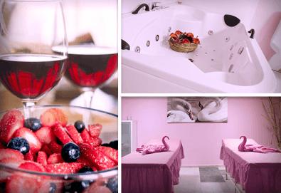 За Свети Валентин! Романтичен СПА пакет за двама в Senses Massage & Recreation - масаж, перлена вана, вино и трансфер с лимузина Lincoln - Снимка