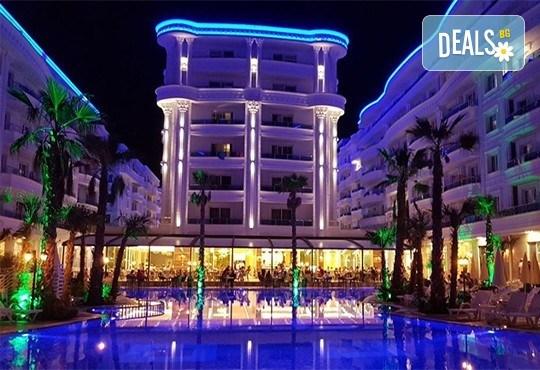 Посрещнете Нова година 2021 на брега на Адриатика в хотел Fafa Premium Resort 4*, Албания, с АБВ Травелс! 3 нощувки със закуски и 2 вечери, транспорт, посещение на Скопие и Охрид - Снимка 2