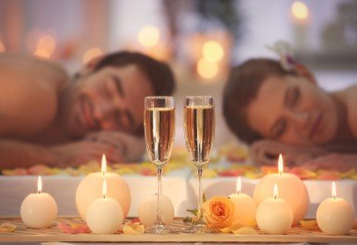Перфектният подарък! СПА пакет Сан Марино: синхронен дълбокотъканен масаж за двама с бадем, злато или шоколад, 2 чаши уиски или бяло вино, ядки и релакс в борова инфраред сауна в луксозния Senses Massage & Recreation - Снимка