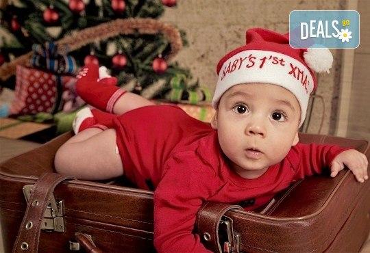 Семейна, детска или индивидуална фотосесия в студиo с разнообразни декори и 10 обработени кадъра от Студио Dreams House - Снимка 17