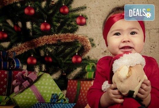 Семейна, детска или индивидуална фотосесия в студиo с разнообразни декори и 10 обработени кадъра от Студио Dreams House - Снимка 12