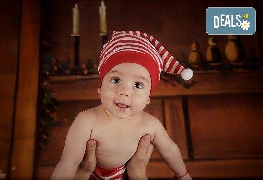 Семейна, детска или индивидуална фотосесия в студиo с разнообразни декори и 10 обработени кадъра от Студио Dreams House - Снимка 13