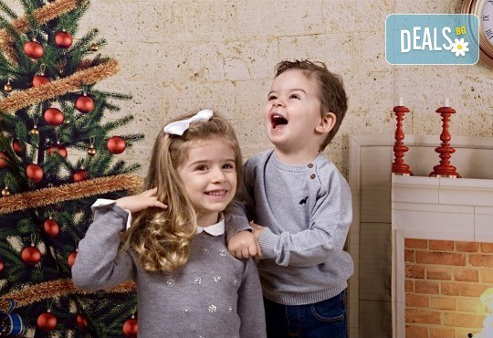 Семейна, детска или индивидуална фотосесия в студиo с разнообразни декори и 10 обработени кадъра от Студио Dreams House - Снимка 4