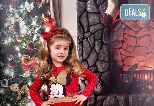 Семейна, детска или индивидуална фотосесия в студиo с разнообразни декори и 10 обработени кадъра от Студио Dreams House - Снимка 16