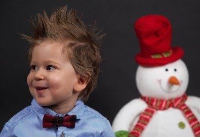 Семейна, детска или индивидуална фотосесия в студиo с разнообразни декори и 10 обработени кадъра от Студио Dreams House - Снимка
