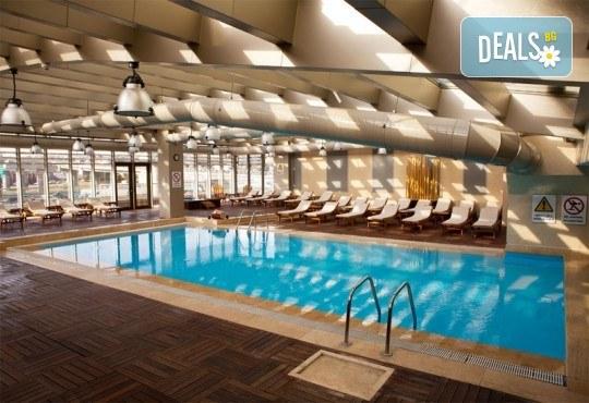 Нова Година 2020 в Истанбул, Хотел Holiday INN 5*, с Дари Травел! 3 нощувки със закуски, 2 вечери, по желание Новогодишна вечеря на корабче по Босфора и транспорт - Снимка 6