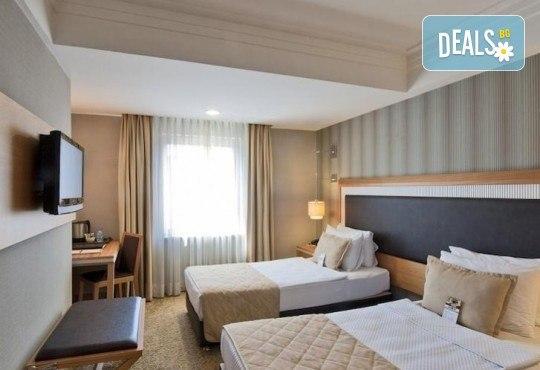 Незабравимо посрещане на Нова година 2021 в хотел Grand S 4*, Истанбул с АБВ Травелс! 3 нощувки със закуски, транспорт, посещение на джамията Селимие и перилната борса в град Одрин - Снимка 24