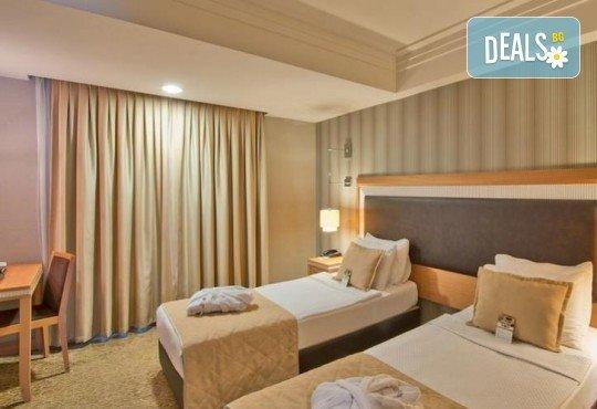 Незабравимо посрещане на Нова година 2021 в хотел Grand S 4*, Истанбул с АБВ Травелс! 3 нощувки със закуски, транспорт, посещение на джамията Селимие и перилната борса в град Одрин - Снимка 9