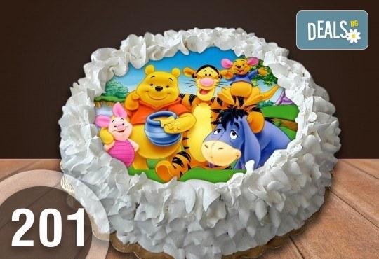 Детска торта с 8 парчета с крем и какаови блатове + детска снимка или снимка на клиента, от Сладкарница Джорджо Джани - Снимка 30