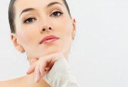 За съвършена визия! Почистване на лице плюс оформяне на вежди във фризьоро-козметичен салон Вили - Снимка