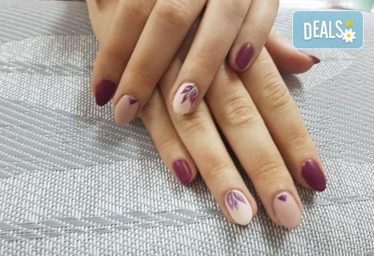 Маникюр с гел лак Bluesky или Jessica и 2 декорации във Фризьоро-козметичен салон Вили - Снимка 3