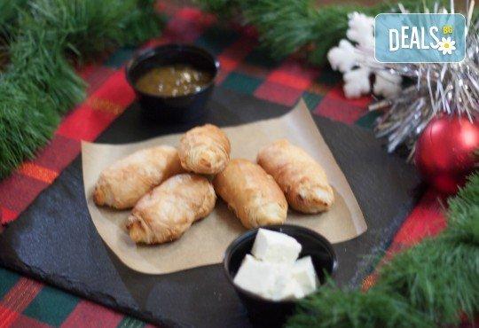 За празниците! Коледен сет с баница с късметчета, паричка, коледни курабии и декорирани меденки от Кулинарна работилница Деличи - Снимка 10