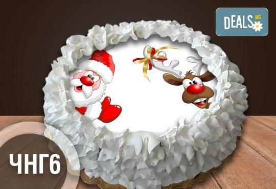 Коледно-новогодишна торта с 12 парчета с крем и какаови блатове + коледна снимка или снимка на клиента, от Сладкарница Джорджо Джани - Снимка 4