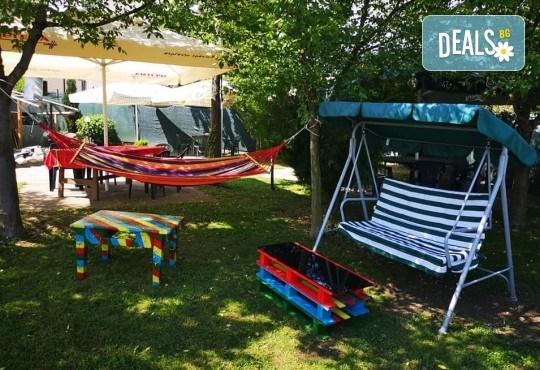 Почивка в Добринище! 1 нощувка със закуска и вечеря в къща за гости Андрееви, до минералния басейн - Снимка 28