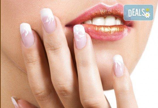 Изящни ръце! Ноктопластика с изграждане на нокти с гел и лакиране с гел лак от Penelope Nails by Pepe - Снимка 2