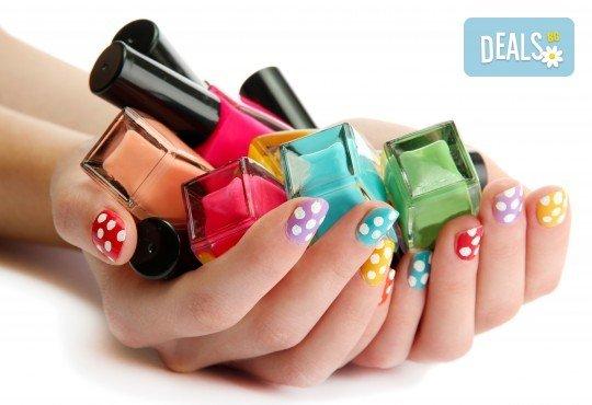 Изящни ръце! Ноктопластика с изграждане на нокти с гел и лакиране с гел лак от Penelope Nails by Pepe - Снимка 4