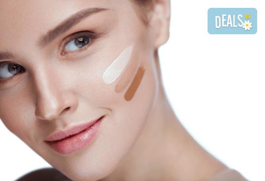 Гладка и красива кожа! Микронидлинг със серум BB Glow за равномерен тен на лицето в студио Нова - Снимка 3