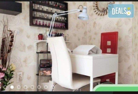 Боядисване с боя на клиента, измиване, подстригване, оформяне със сешоар и стилизиране! Професионална грижа за Вашата коса и модерната Ви визия в салон Golden Angel! - Снимка 2