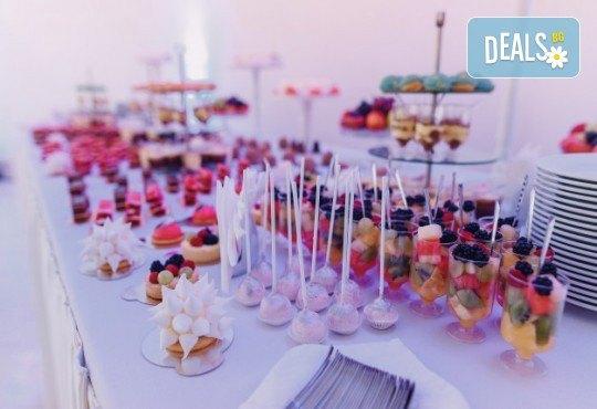 За Рожден ден! Празничен сет от 250 бр. коктейлни хапки в 9 плата, аранжирани за директно сервиране от Кулинарна работилница Деличи - Снимка 4