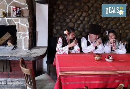 Почивка в Добринище! 1 нощувка със закуска и вечеря в къща за гости Андрееви, до минералния басейн - Снимка 21