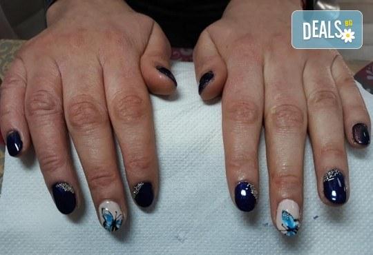 Mаникюр с гел лак BlueSky, 2 или 4 декорации, вграждане на камъчета и ефекти от Салон Мечта - Снимка 12