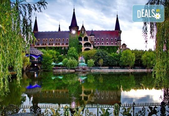 """Посещение на Замъка """"Влюбен във Вятъра"""" в Равадиново, безплатно за дете до 6.99 г. - Снимка 2"""