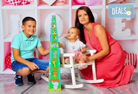 Семейна, детска или фотосесия за влюбени в месеца на любовта + подарък: фотокнига, от Photosesia.com - Снимка 1