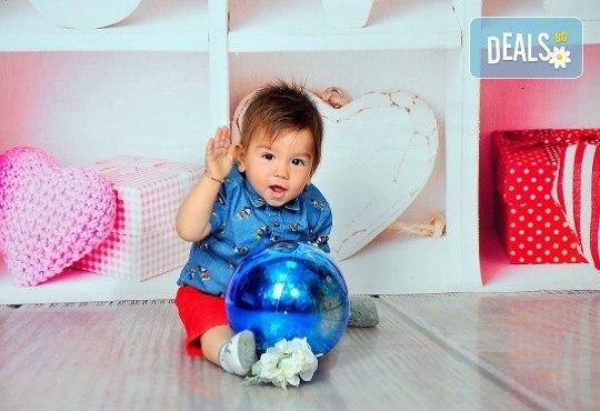 Семейна, детска или фотосесия за влюбени в месеца на любовта + подарък: фотокнига, от Photosesia.com - Снимка 3